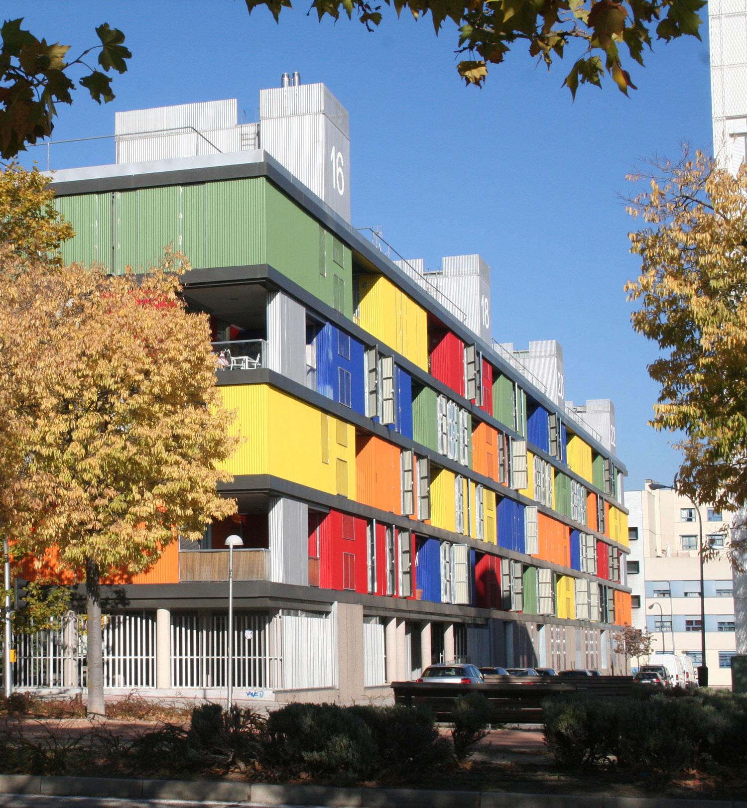 edificios-cubos-colores